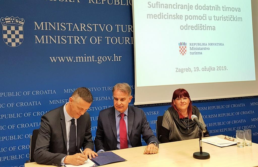 Potpisani Ugovori o sufinanciranju dodatnih timova medicinske pomoći