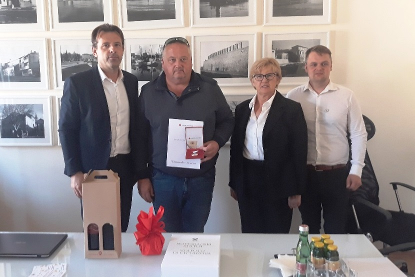 Anteo Milos povodom Dana dobrovoljnih darivatelja krvi ugostio Davora Klarića