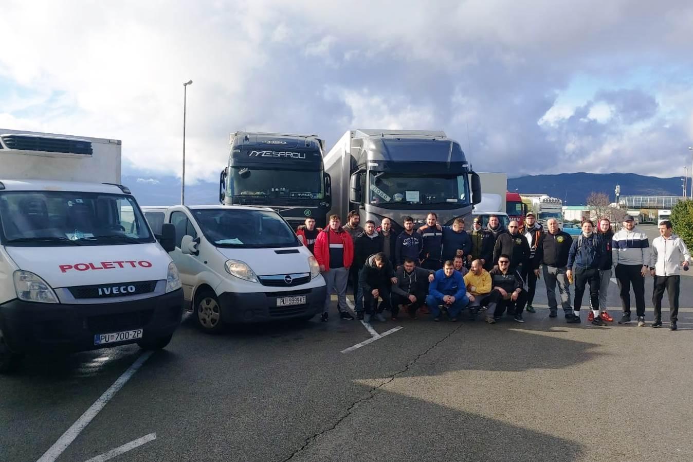 Iz Novigrada put Siska krenuo konvoj humanitarne pomoći za stradale u potresu