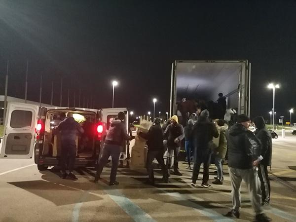 Novigrađani pokazali veeeeeeeeliko srce, kombiji i kamioni pomoći idu za Sisak