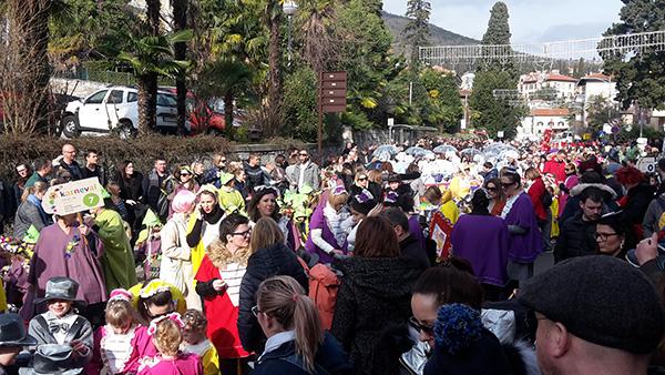 Novigradski mališani svojim originalnim kreacijama uljepšali 24. Karneval u Opatiji