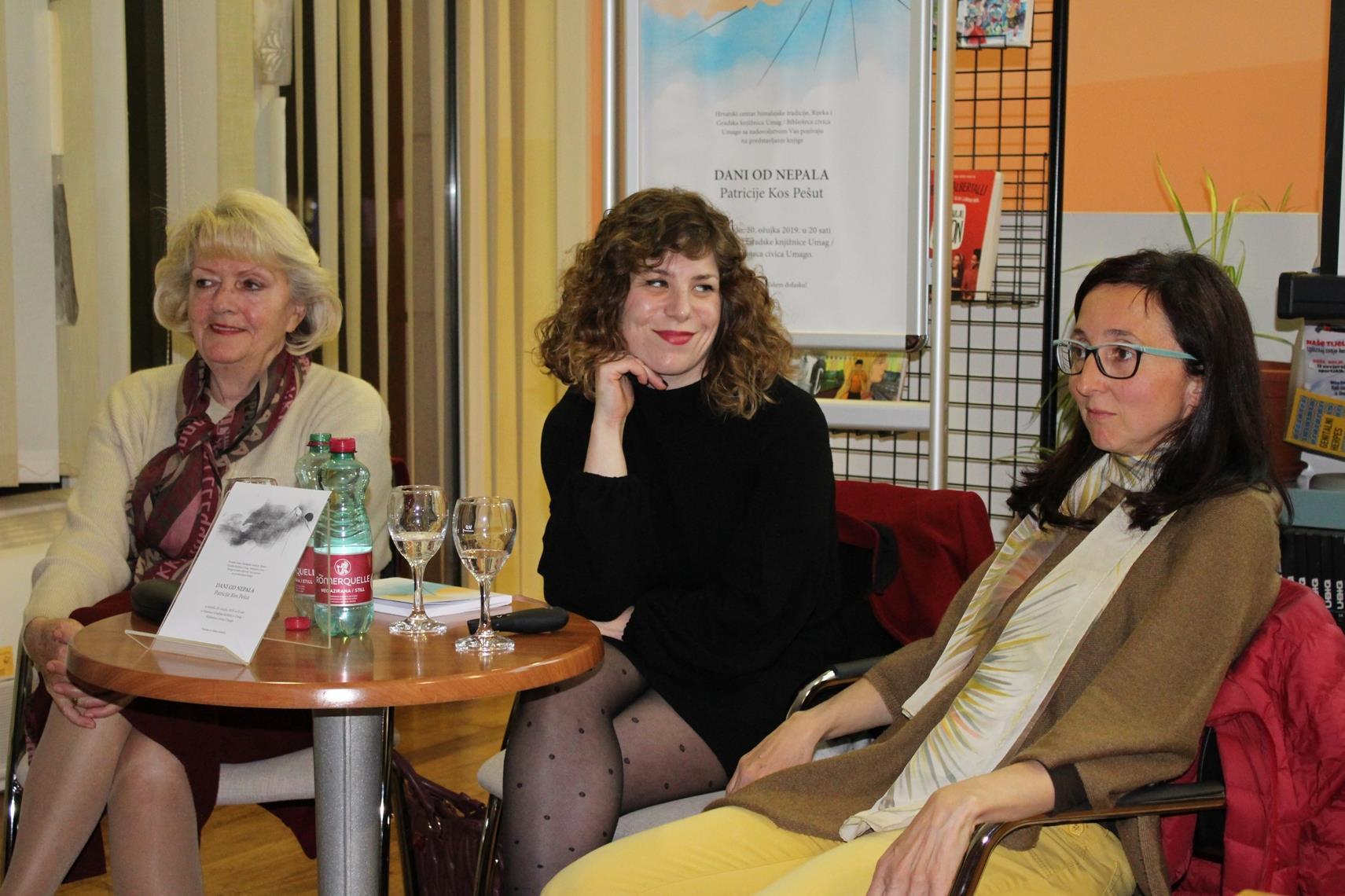 """Pred punim auditorijem umaške gradske knjižnice održano još jedno predstavljanje knjige """"Dani od Nepala"""""""